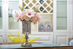 Free Home Interior Decor,metal , Bouquet In Glass Vase Stock Photo - 110493130