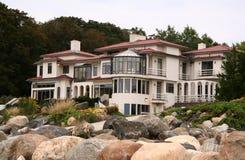 HOME luxuosa dos bens imobiliários Fotos de Stock Royalty Free