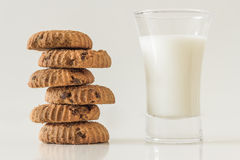 Home made chocolate chip cookies and milk Royalty Free Stock Images