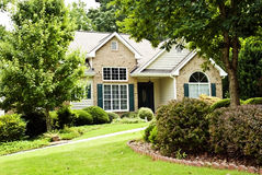 HOME moderna/paisagem dianteira Fotos de Stock