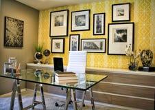 home modernt kontor Royaltyfri Foto