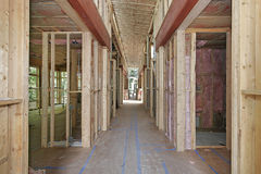 home nytt under för konstruktion Arkivbilder