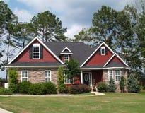 HOME residencial de duas histórias Fotografia de Stock Royalty Free