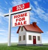 home sålt husförsäljningstecken Arkivfoto