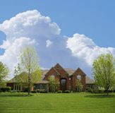 HOME suburbana do tijolo Imagens de Stock Royalty Free