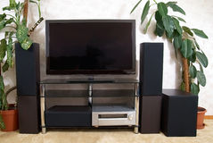 Home theater. With plasma tv and hi-fi acustics Royalty Free Stock Photography