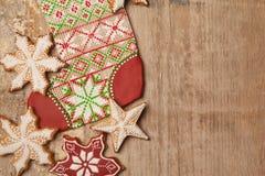 Homebaked Weihnachtslebkuchen-Plätzchen Stockbild