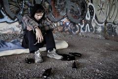 homeless спиртного пива выпивая Стоковые Фото
