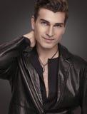 Homem à moda no terno preto. Modelo de forma. Fotografia de Stock Royalty Free