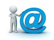 homem 3d e sinal azul do email Fotos de Stock Royalty Free
