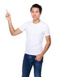 Homem asiático com dedo acima Fotografia de Stock