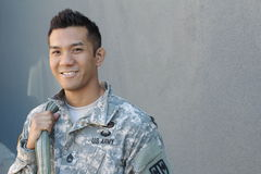 Homem asiático considerável militar do exército fotografia de stock royalty free
