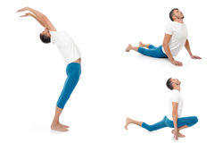 Homem ativo considerável que faz poses da aptidão da ioga. foto de stock