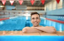 Homem atlético novo imagens de stock royalty free