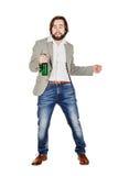 Homem bêbado com garrafa verde sobre um fundo branco imagem de stock royalty free