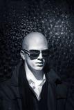 Homem branco com óculos de sol Fotografia de Stock Royalty Free