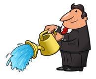 Homem com água de derramamento de lata molhando Imagem de Stock