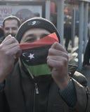 Homem com bandeira líbio 2 Fotografia de Stock