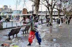 Homem com bolhas Foto de Stock Royalty Free