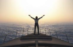 Homem com braços abertos Foto de Stock