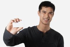 Homem com cartão Fotos de Stock Royalty Free