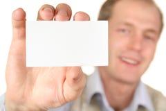 Homem com cartão fotografia de stock royalty free