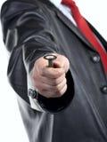 Homem com chave na mão imagem de stock royalty free