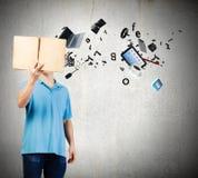 Homem com livro Imagem de Stock