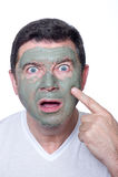 Homem com máscara da beleza fotos de stock