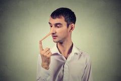 Homem com nariz longo Conceito do mentiroso Expressões do rosto humano, emoções, sentimentos Imagem de Stock Royalty Free