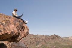 Homem com o portátil Fotografia de Stock Royalty Free