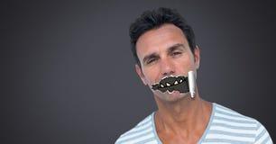 Homem com papel rasgado na boca e na boca dos desenhos animados do monstro Foto de Stock