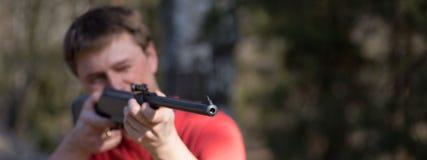 Homem com pistola pneumática Imagem de Stock Royalty Free