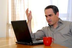 Homem com portátil Fotografia de Stock