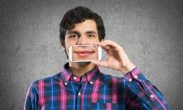 Homem com telemóvel Imagens de Stock