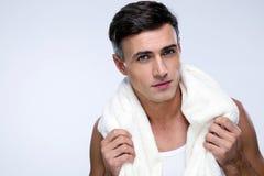 Homem considerável com toalha Foto de Stock
