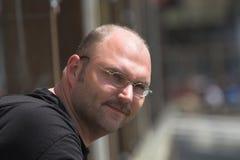 Homem considerável em um dia ensolarado Fotos de Stock Royalty Free