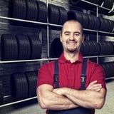 Homem da garagem Foto de Stock