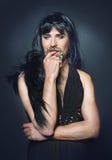 Homem da mulher com uma barba em um vestido Fotografia de Stock Royalty Free