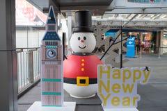 Homem da neve do armazém do terminal 21 que decora para o Natal e a celebração 2016 do ano novo Fotografia de Stock