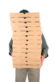 Homem da pizza atrás das caixas Fotos de Stock Royalty Free