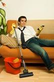 Homem de Happz com espanador Imagem de Stock