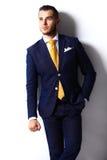 Homem de negócio alegre de sorriso feliz novo Fotos de Stock Royalty Free