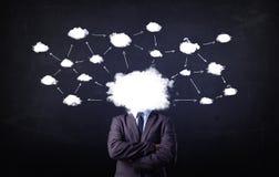 Homem de negócio com cabeça da rede da nuvem Imagem de Stock Royalty Free
