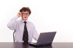 Homem de negócio com portátil Fotografia de Stock Royalty Free