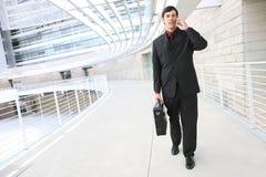 Homem de negócio considerável no telefone Foto de Stock Royalty Free