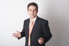 Homem de negócio durante a apresentação - ascendente próximo foto de stock
