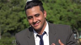 Homem de negócio latino-americano seguro arrogante video estoque