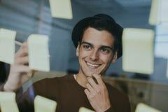 Homem de negócio moderno e criativo Fotos de Stock