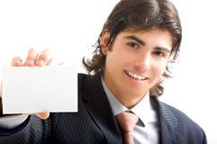 Homem de negócio novo com cartão foto de stock royalty free